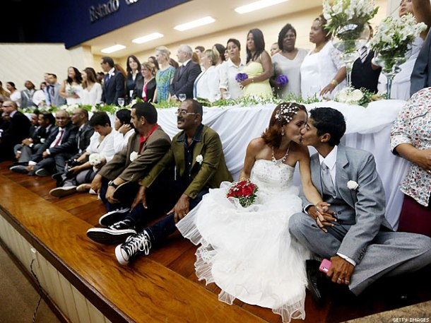 Over 100 queer couples in Brazil tie the knot!