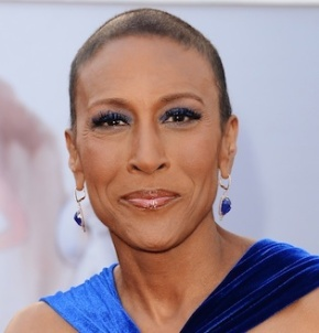 "GMA Host Robin Roberts ""Comes Out"" as a Lesbian"